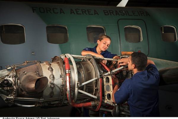 Mecânicos de aeronaves  Sgt Johnson Barros / Agência Força Aérea