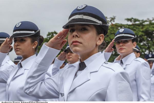 """Conhecida como """"Berço dos Especialistas"""", a escola é o maior centro de ensino técnico militar da América do Sul"""