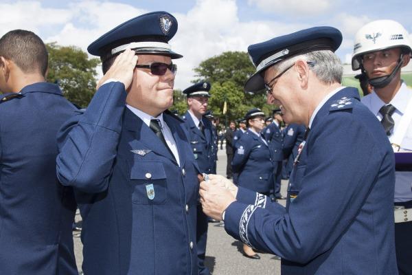 """""""Os Especialistas são a essência da Força Aérea"""", diz Comandante"""