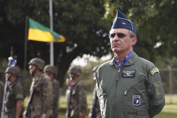 Brigadeiro Riomar está à frente dos esquadrões de caça e de reconhecimento da FAB