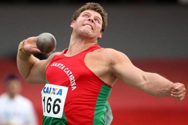 O militar atingiu a marca de 20m90 no campeonato paulista de atletismo