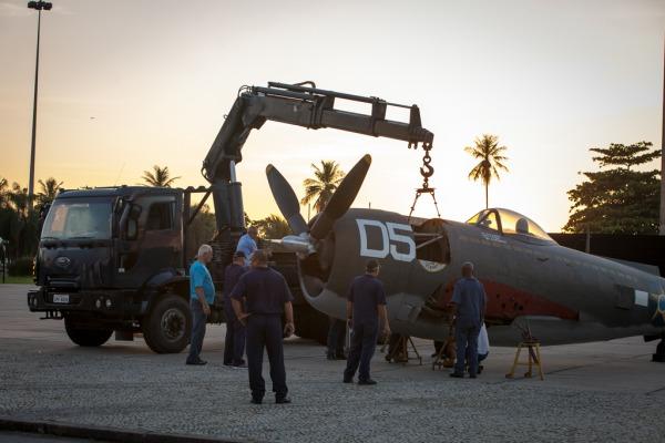 A aeronave P-47 Thunderbolt da FAB ficará exposta no Aterro do Flamengo até o dia 9 de maio