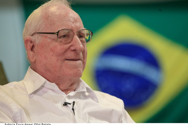 Leia entrevista com o último piloto brasileiro veterano da Segunda Guerra Mundial ainda vivo