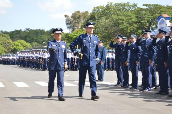 O Brigadeiro Wara assume o maior centro de ensino técnico militar da América do Sul