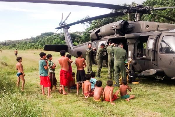 Um helicóptero Black Hawk e um C-98 Caravan da FAB apoiaram a missão