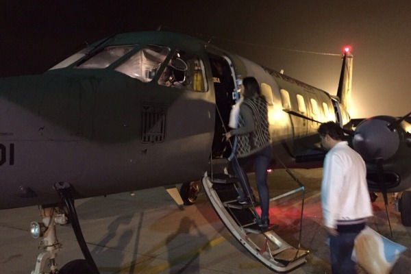 Embarque de madrugada na Base Aérea  IV COMAR