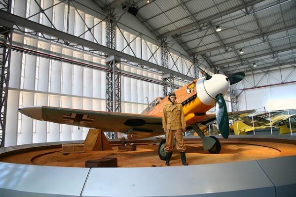 Em São Carlos (SP), o Museu TAM guarda acervo de mais de 100 aeronaves. Parceria busca agora expor o acervo na capital paulista