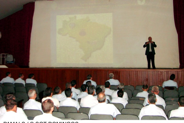 O palestrante é gerente do Programa de Preparação para a Reserva do Exército Brasileiro