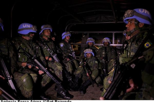 Pelotões realizam patrulhas no Haiti  Sgt Paulo Rezende / Agência Força Aérea