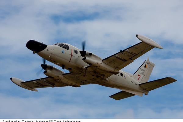 Avião P-95 Bandeirulha da FAB  Sgt Johnson Barros / Agência Força Aérea