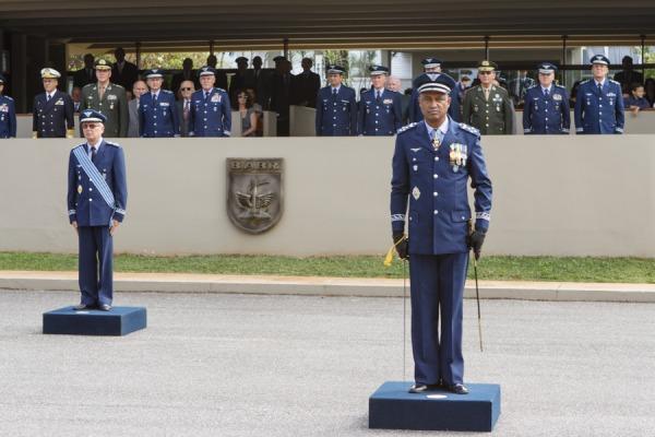 A cerimônia também marcou a despedida do Tenente-Brigadeiro Terciotti do serviço ativo