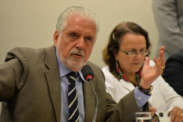 Os projetos estratégicos não serão interrompidos, assegura Jaques Wagner