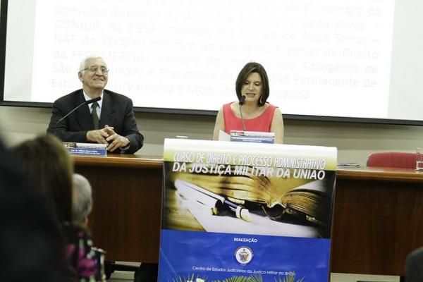 O Superior Tribunal Militar também oferece curso para interessados em conhecer a Justiça Militar da União