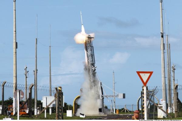 O Centro de Lançamento de Alcântara é responsável pelo lançamento e rastreio de engenhos aeroespaciais