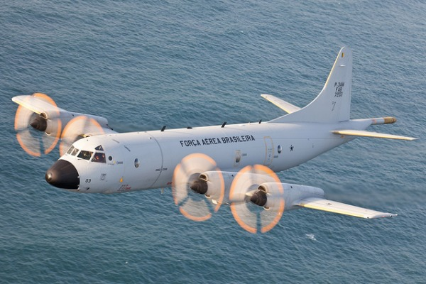 Tripulantes da aeronave P-3AM captam sons inusitados do fundo do mar durante missões
