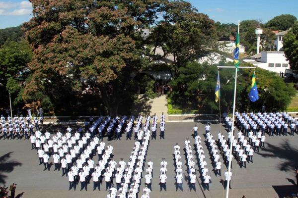 Os tenentes são das áreas de saúde, engenharia, capelania e apoio especializado