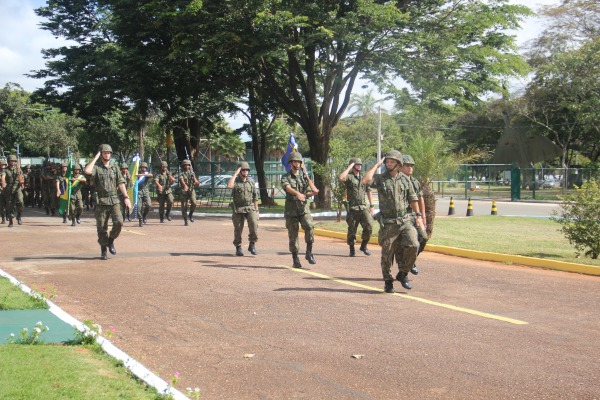 A solenidade foi realizada no pátio da Bandeira da unidade  Cabo Almir / COMGAR