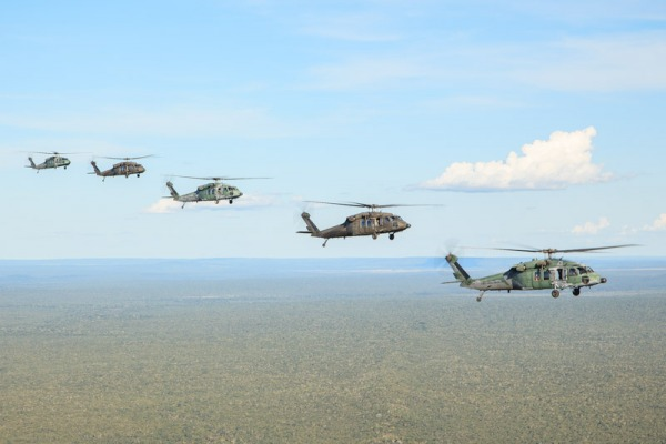 Exercício com helicópteros H-60 Black Hawk faz parte de capacitação operacional dos militares