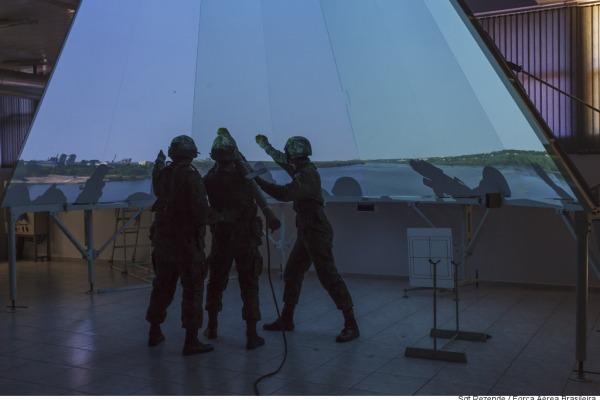 Simulador do míssil Igla-S é usado para treinamento  Sargento Rezende/Agência Força Aérea