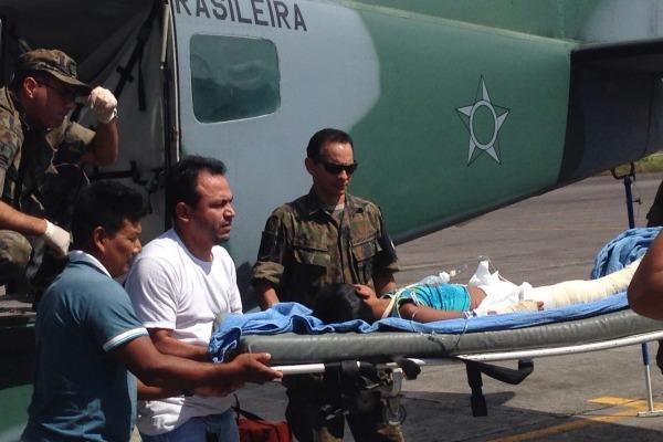 A criança estava com fraturas na perna e no punho  Ten Diogo e Ten Almeida