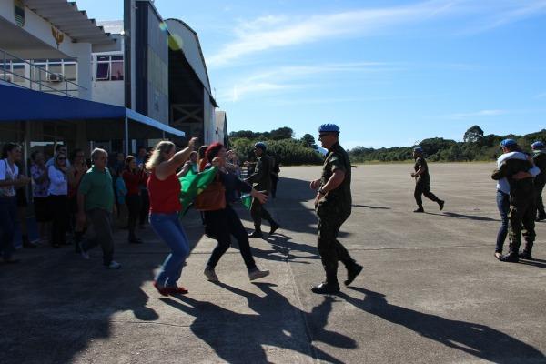 Os militares realizaram diversas atividades no país caribenho