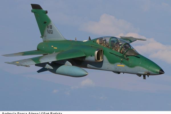 Caça A-1. projeto ítalo-brasileiro  Sargento Bruno Batista / Agência Força Aérea