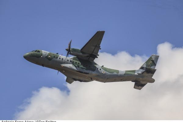 Treze unidades aéreas realizam missões que vão desde lançamento de paraquedistas até ajuda humanitária