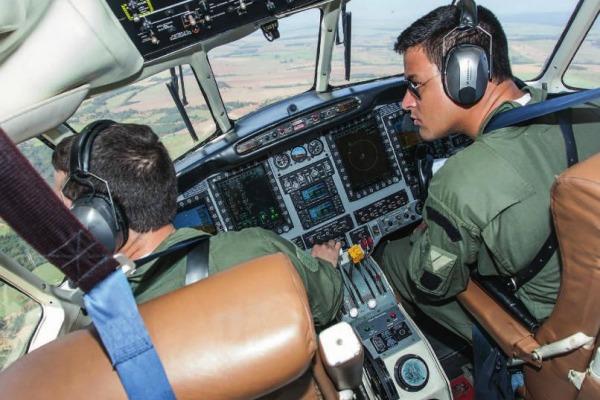 Modernização de aeronaves antigas e aquisição de novos modelos mudaram a rotina das tripulações
