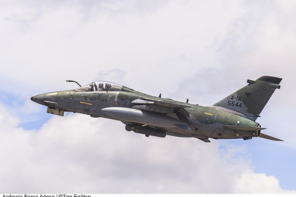 A-1A é utilizado para reconhecimento tático  Tenente Enilton / Agência Força Aérea