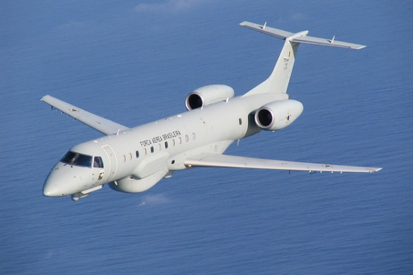 Conheça o papel desta aviação que faz o rastreamento dos dados de inteligência em áreas de conflito