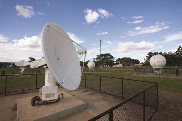 Antenas do sistema COSPAS / SARSAT  Sgt Bruno Batista / Agência Força Aérea