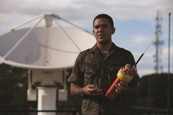 Tecnologias de comunicação via satélite permitem a localização de aeronaves, embarcações e pessoas