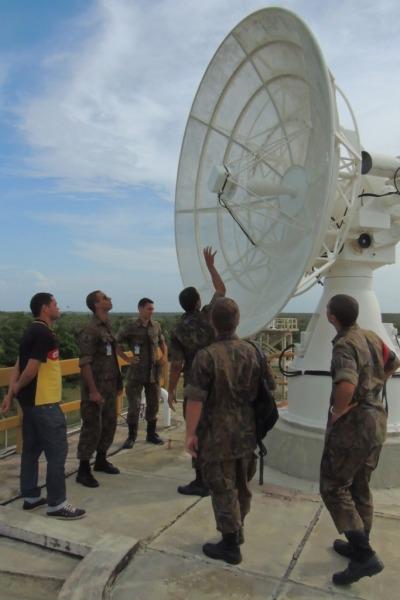 Radar de rastreio de foguetes do CLA  Sd Gilberto/ CLA
