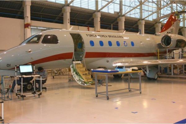 O jato executivo Legacy 500 será transformado na nova aeronave-laboratório do GEIV