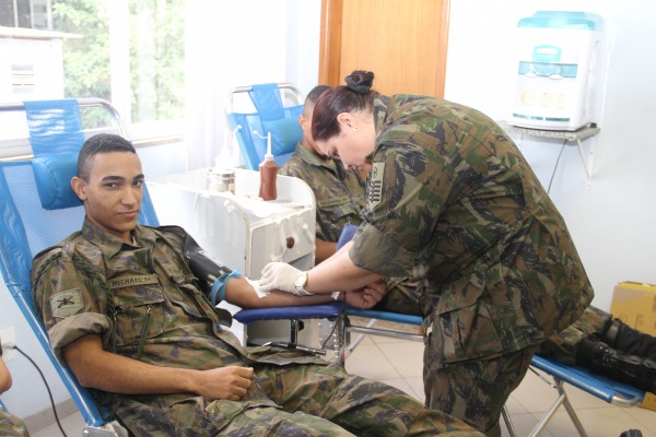 Foram arrecadadas 52 bolsas de sangue em cinco horas de coleta no III COMAR