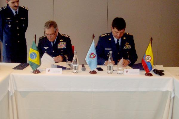Reunião dos estados-maiores das forças aéreas foi realizada em Bogotá nos dias 07 e 08 de julho