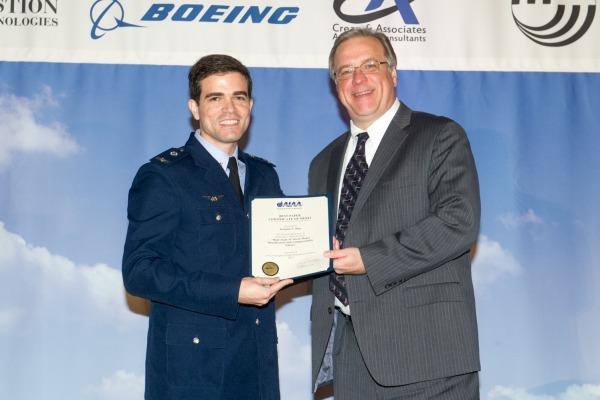 O prêmio de melhor trabalho foi recebido na Conferência de Mecânica de Voo Atmosférico