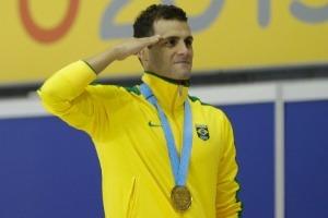 Muitos deles têm prestado continência à bandeira do Brasil na hora da execução do Hino Nacional