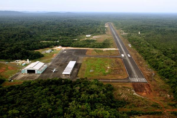 O Destacamento de Aeronáutica de São Gabriel da Cachoeira está localizado próximo à fronteira do Brasil com a Colômbia