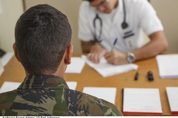 FAB disponibiliza 112 vagas para médicos de carreira