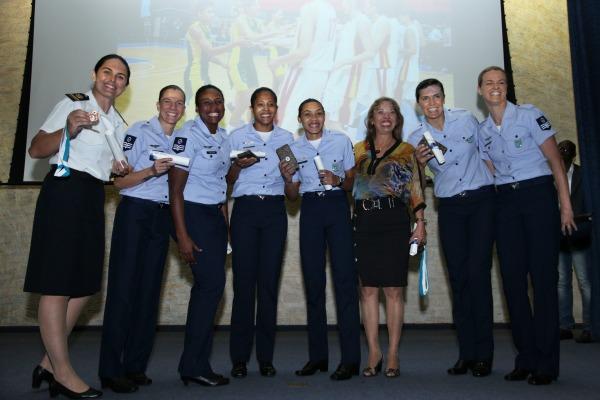 Equipe de Basquete homenageada  1S Xavier