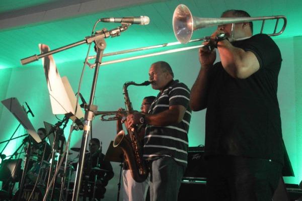 Banda da Base se apresenta com músicos convidados  S2 Lopes