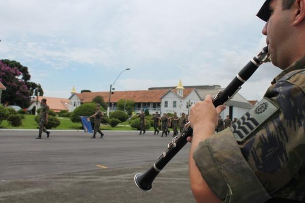 Militar é um dos 24 músicos selecionados em concurso nacional para jovens solistas de orquestra