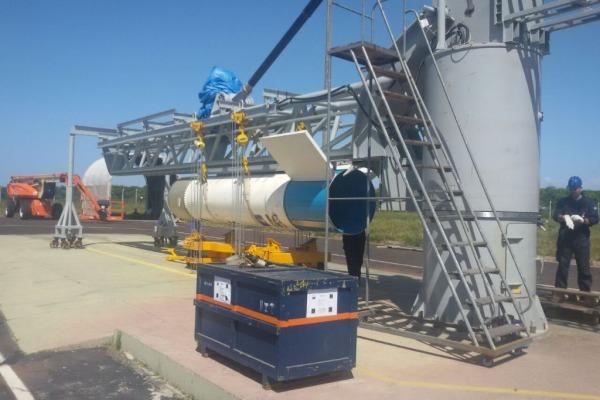 Mock-up do foguete VS-40M SARA em integração  Eng Rogério/ CLA