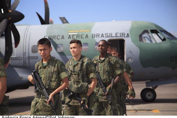Fuzileiros Navais também contam com apoio da FAB  Sgt Johnson Barros / Agência Força Aérea