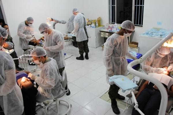 Em apenas um dia, foram realizados 700 procedimentos odontológicos na cidade de Caravelas (BA)