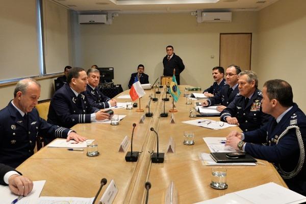 Reunião entre FAB e Força Aérea do Chile