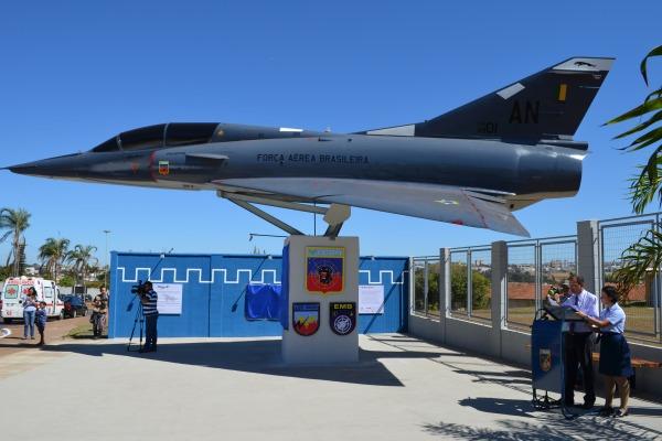 Treinados em 1970 na França, os  47 militares fizeram a manutenção do 1º caça supersônico operado pela FAB