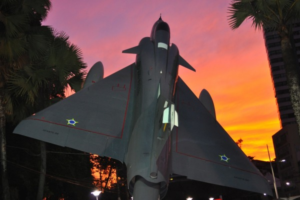 Monumento Mirage na Praça Orungan  3º Sgt Mateus Alves