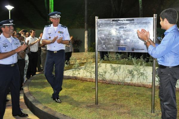 Descerramento da placa  3º Sgt Mateus Alves